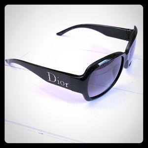 Authentic Dior Paris 2 Sunglasses SOOO CHIC!